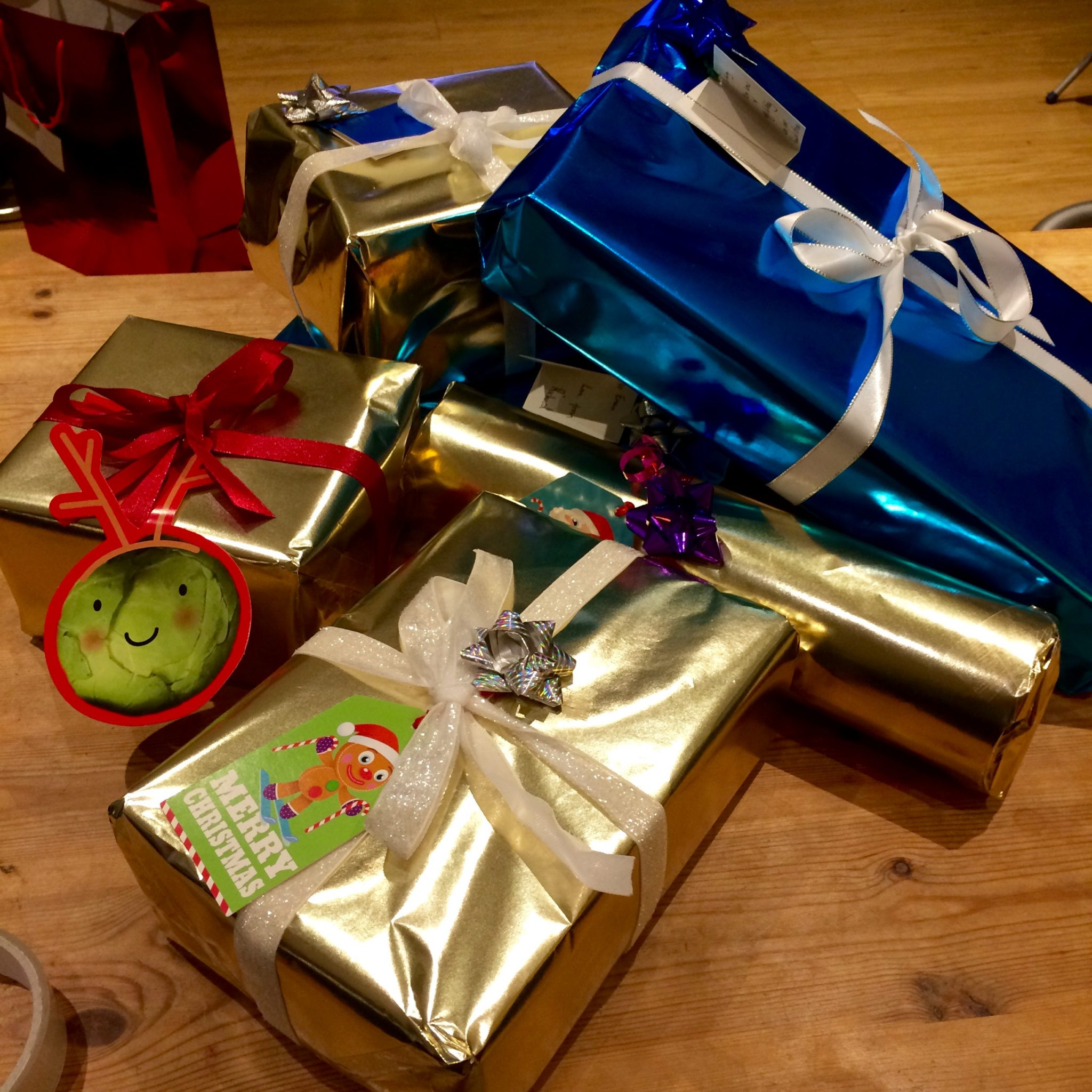 Christmas Presents_Miss Pond