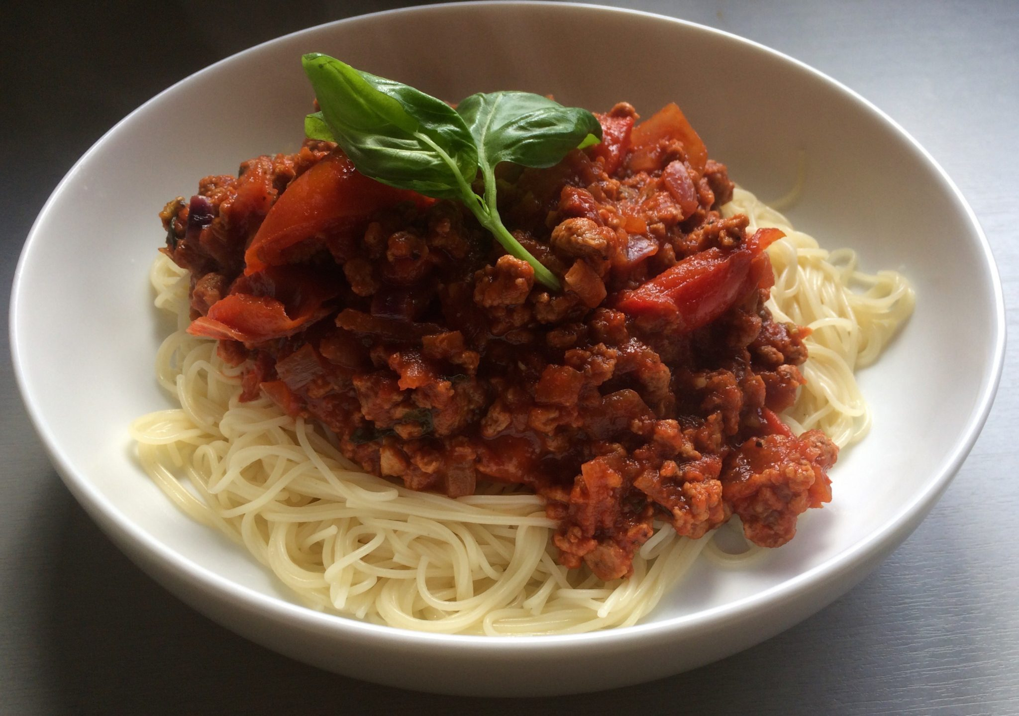 Tomato and Basil Spaghetti_Basil and Oregano_Miss Pond