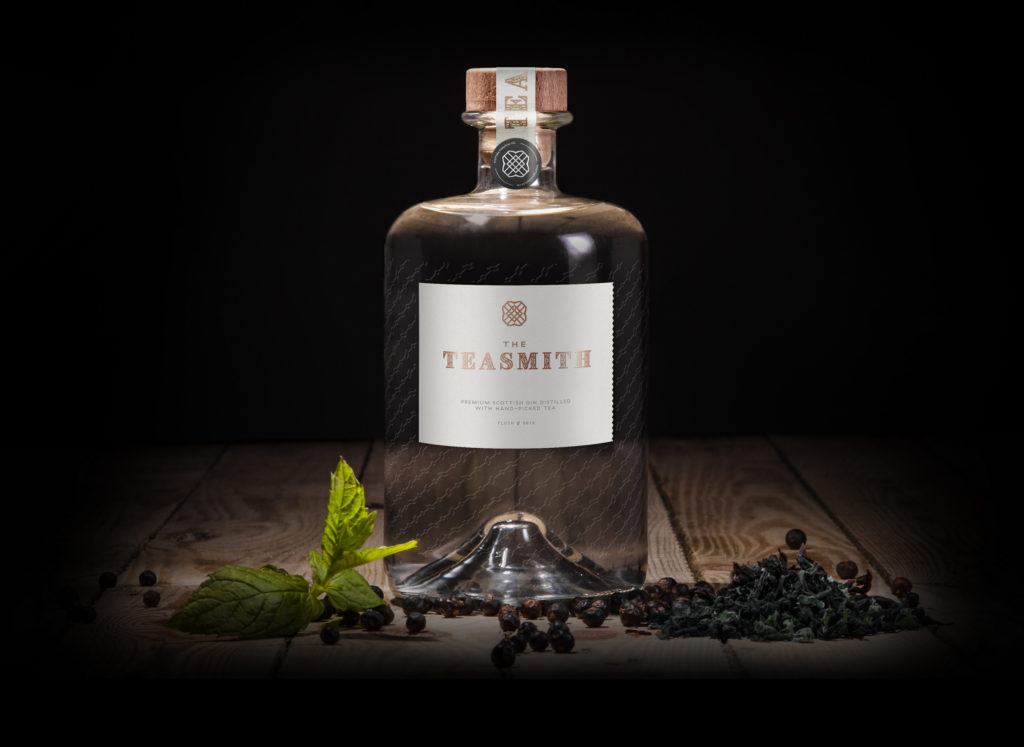 teasmith_gin_header_bottle