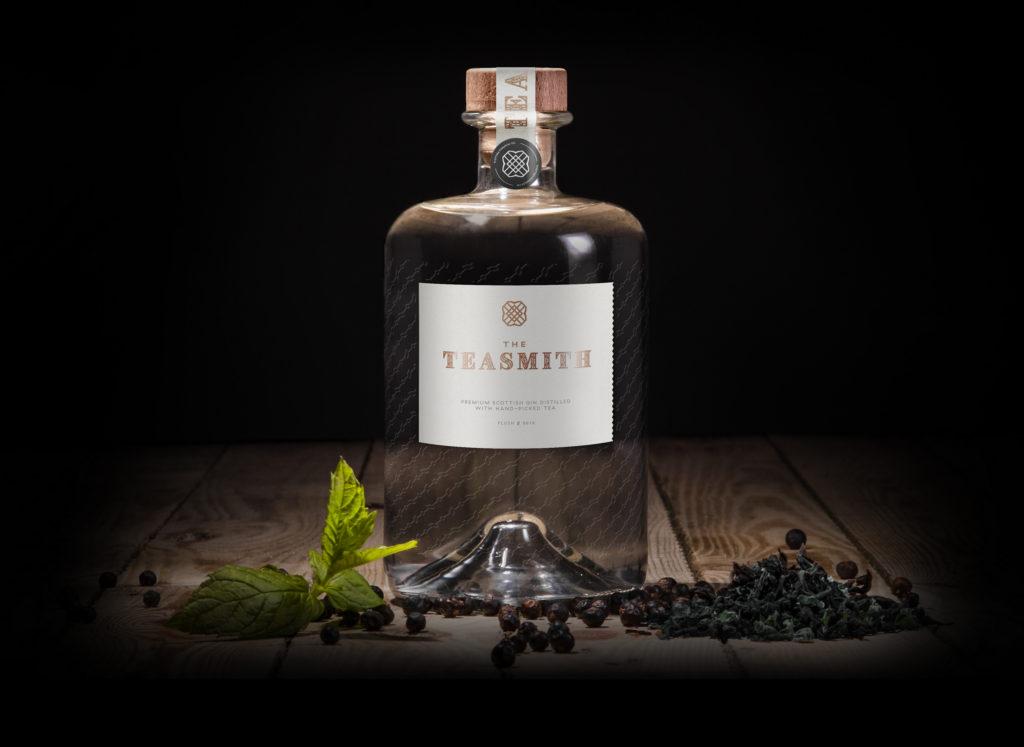 teasmith_gin_header_bottle