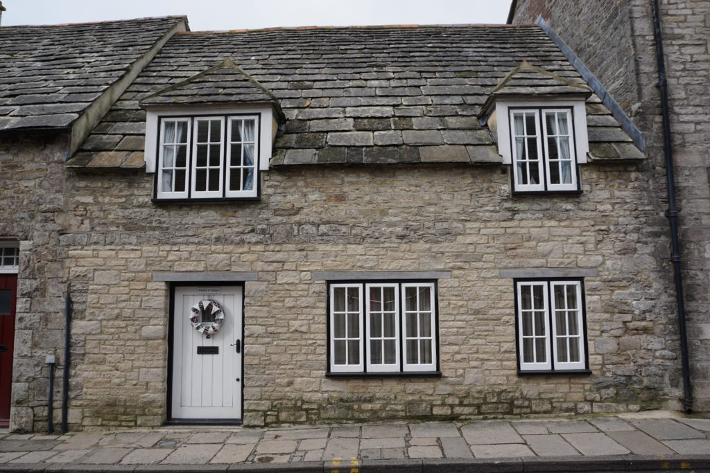 from-corfe-to-swanage-via-harrys-rocks-cute-cottage