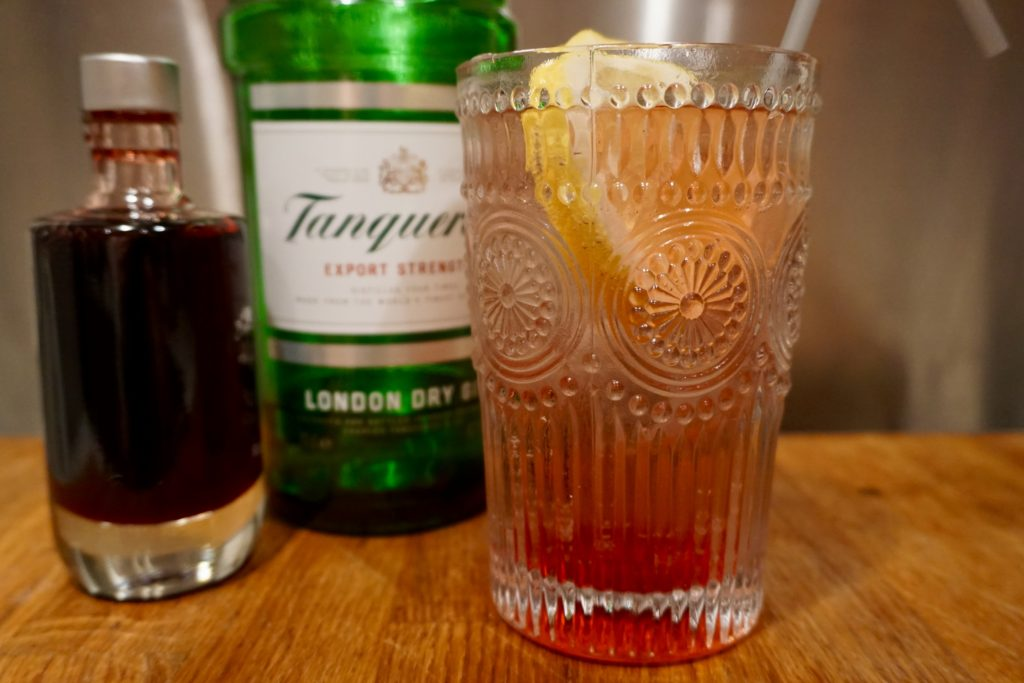 tanqueray-gin-raspberry-collins