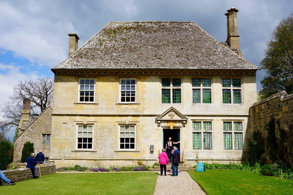 5 Happy Things - Snowshill Manor