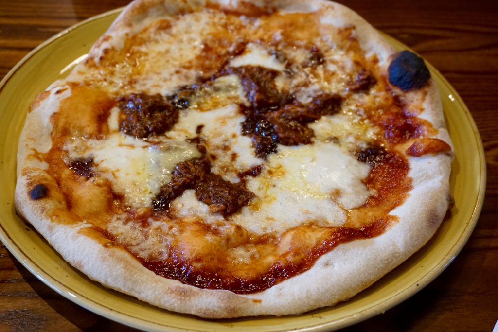 Suffolk-Arms-Cheltenham-BBQ-Pizza