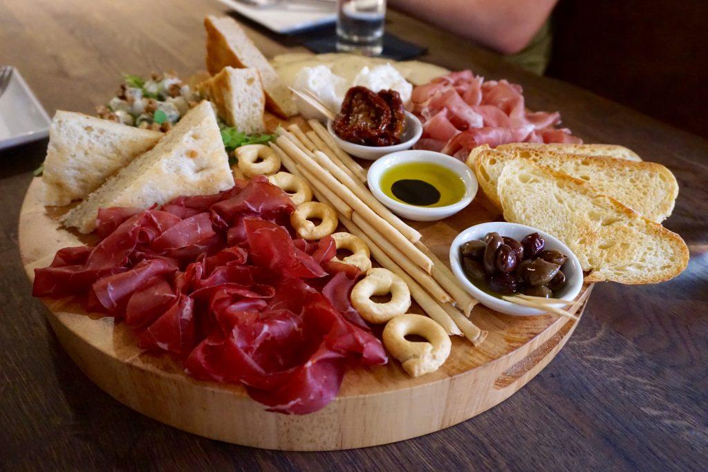 Veeno Selezione Wine Tasting Board