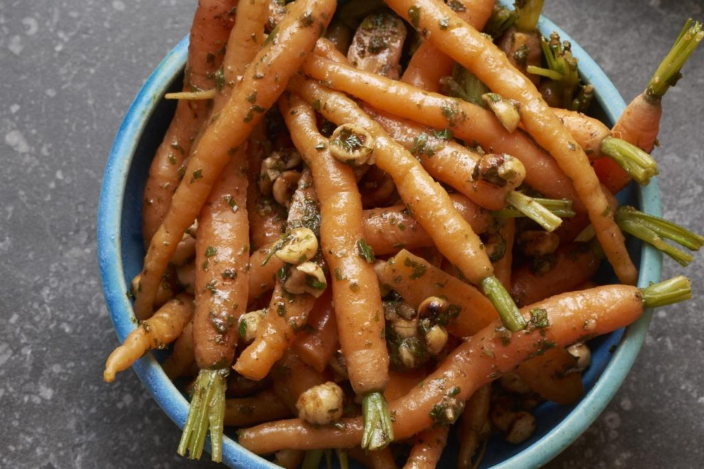 Hello-Fresh-Festive-Sides-Carrots-with-Hazelnuts