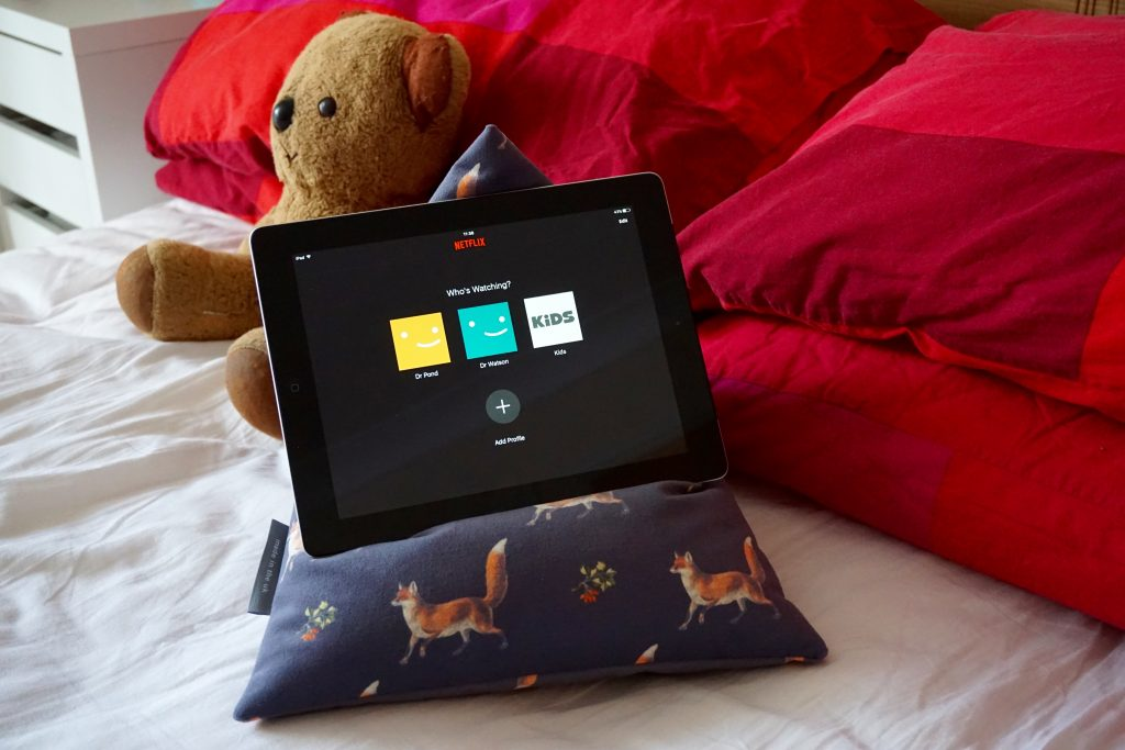 Why I've Started Using My Tablet More Again - Netflix in Bed using iPad Bean Bag