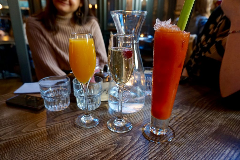 5-Happy-Things-Bottomless-Brunch