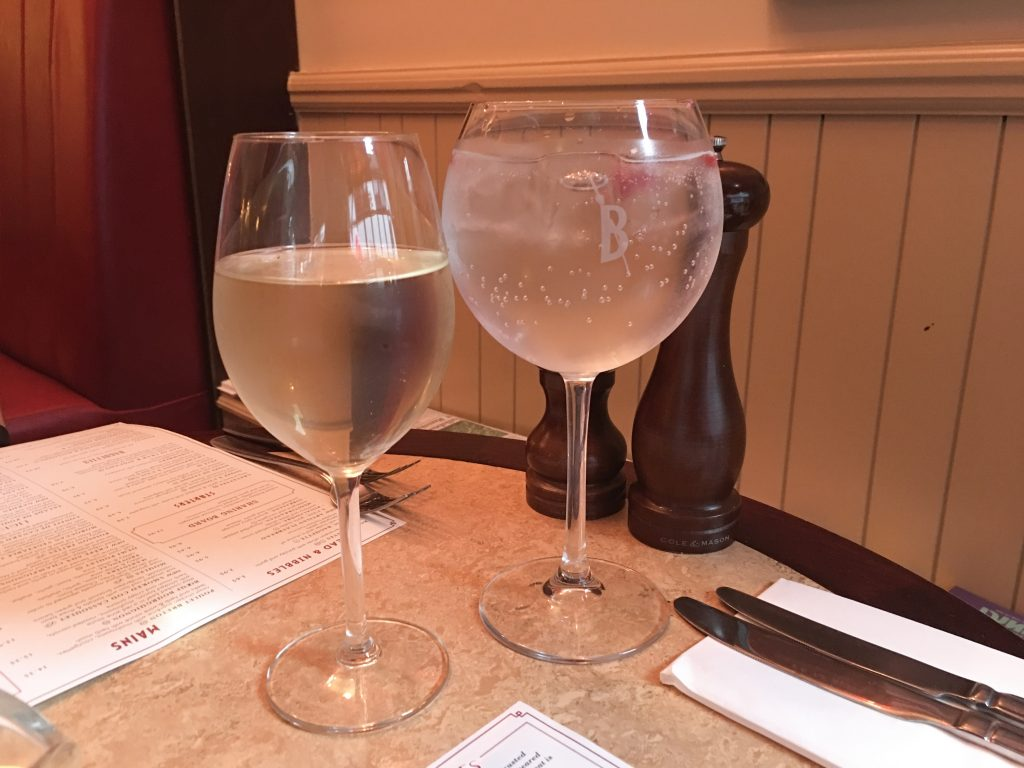 Cafe-Rouge-Worcester-Gin-and-white-wine