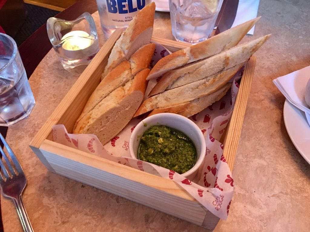 Cafe-Rouge-Worcester-bread-and-pesto