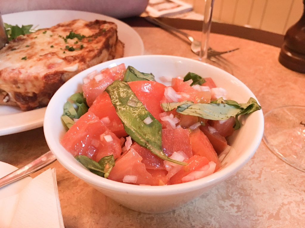 Cafe-Rouge-Worcester-tomato-salad