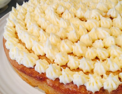Five-Happy-Things-Custard-Cream-Cake