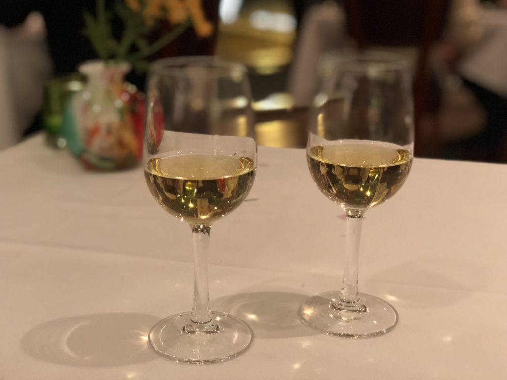The-River-Restaurant-Lowry-Hotel-Dessert-Wine-in-Glasses