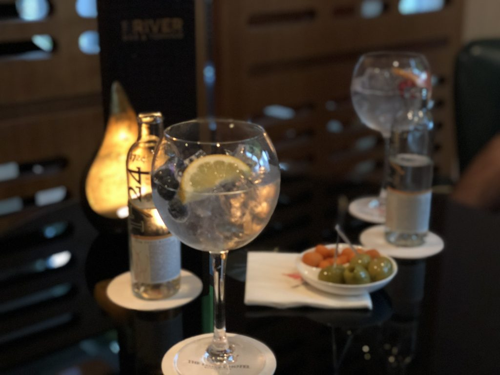 The-River-Restaurant-Lowry-Hotel-Gin-and-Tonic