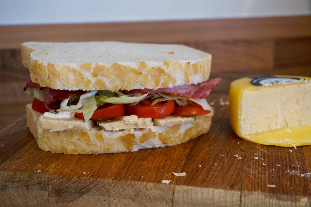 Building-The-Snowdonia-Bacon-Lettuce-Tomato