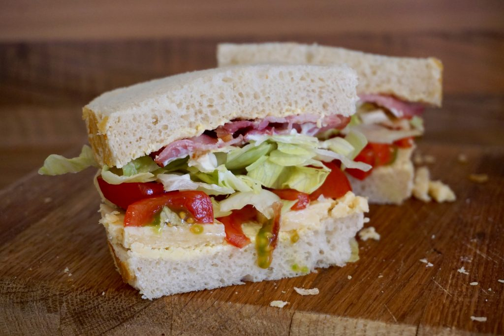 Building-The-Snowdonia-Bacon-Lettuce-Tomato-Cut-In-Half