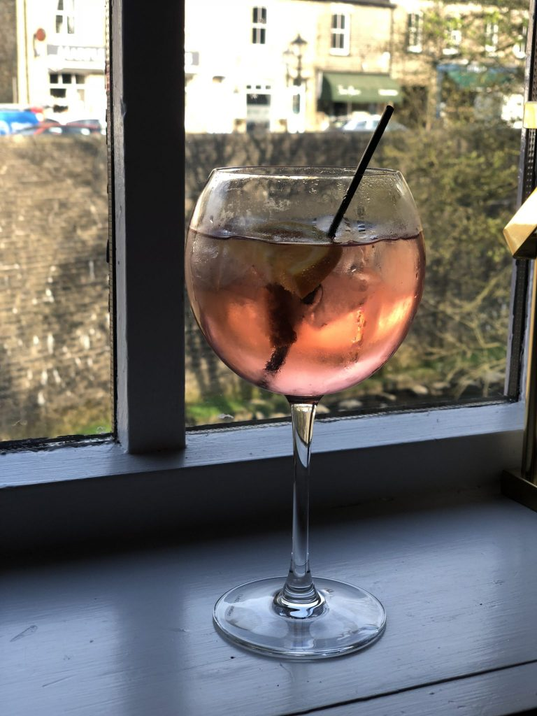 The-Midland-Marple-Bridge-Warner-Sloe-Gin-And-Tonic-in-a-Balloon-Glass