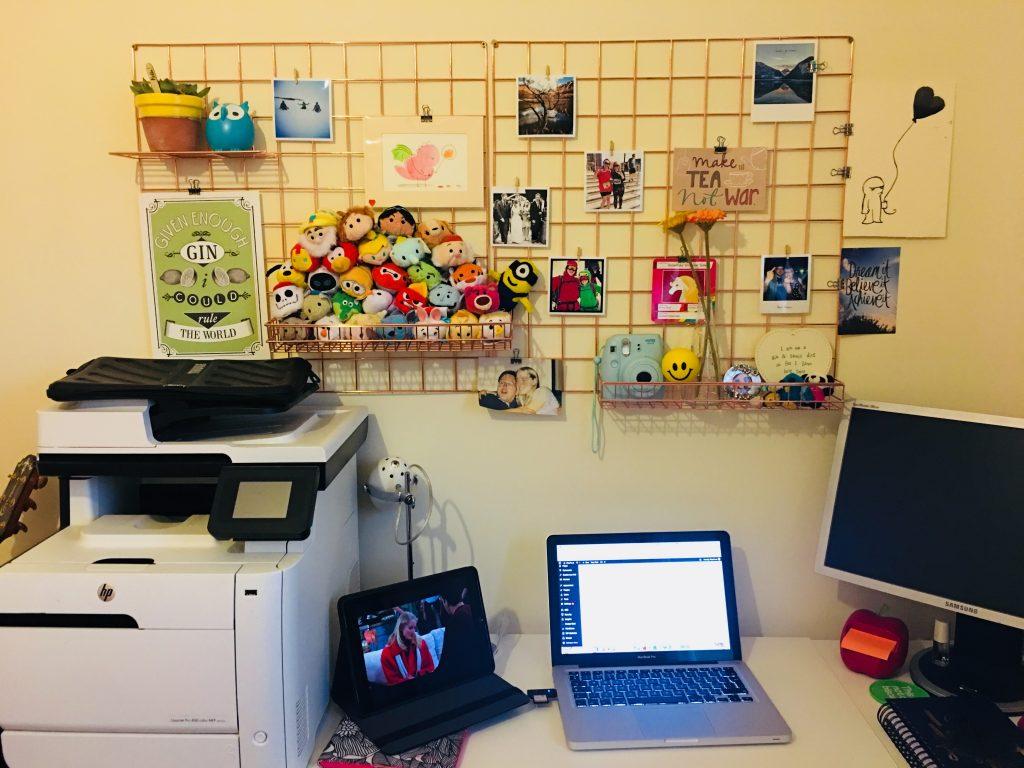 Desk-Set-Up