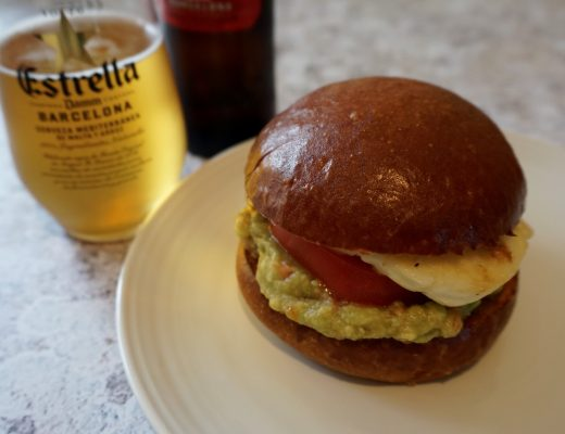 Halloumi-Burger-with-guacamole