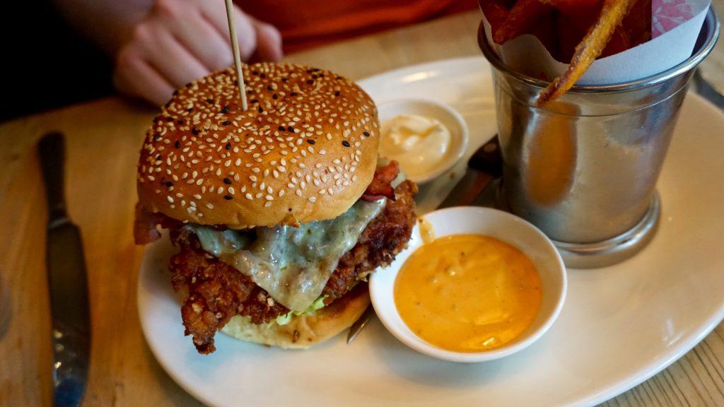 Bills-Restaurant-Buttermilk-Chicken-Burger