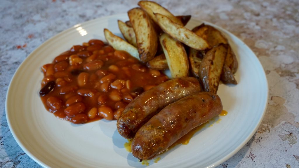 Honey-Mustard-Sausages-BBQ-Beans-Chips