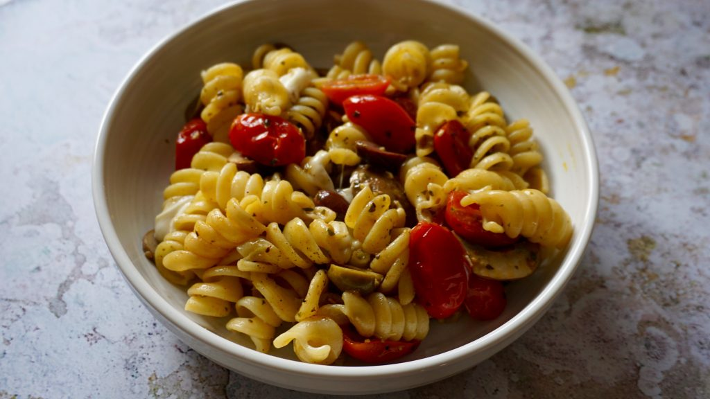 Mozzarella Olives and Tomatoes Pasta Recipe