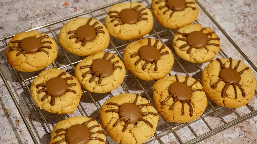 Spooky-Spider-Cookies-on-cooling-rack