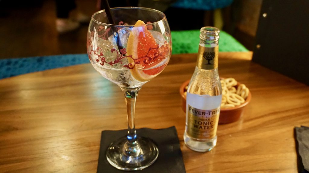 Herno-Gin-Simpsons-Gin-Bar