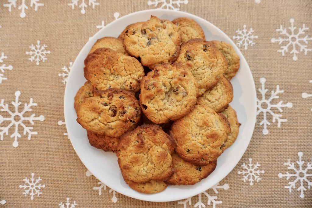 Mince-Pie-Cookies-on-a-plate