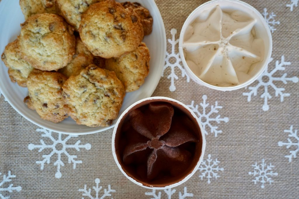 Vegan-cookies-on-a-plate-and-vegan-ice-cream-next-to-it